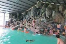 bể bơi khoáng nóng