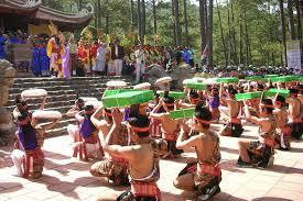Du lịch đền Hùng Phú Thọ